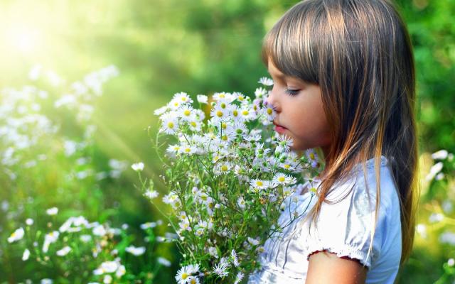 Beautiful-flower-girl_1920x1200